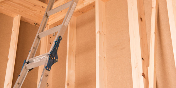 木造住宅にテレビ壁掛けする場合