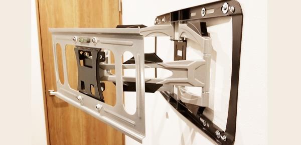 格安テレビ壁掛け工事 関東 テレビの壁掛け金具は純正金具じゃなくても大丈夫でしょうか?