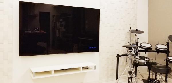 格安テレビ壁掛け工事 関東 頼むとしたら電気屋さん?内装屋さん?工事にかかる時間は?